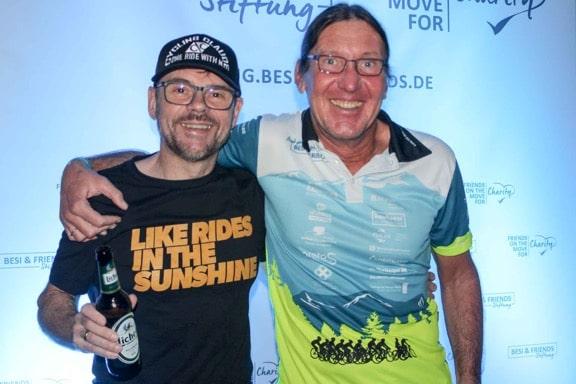 CyclingClaude und Besi von der Besi & Friends-Stiftung