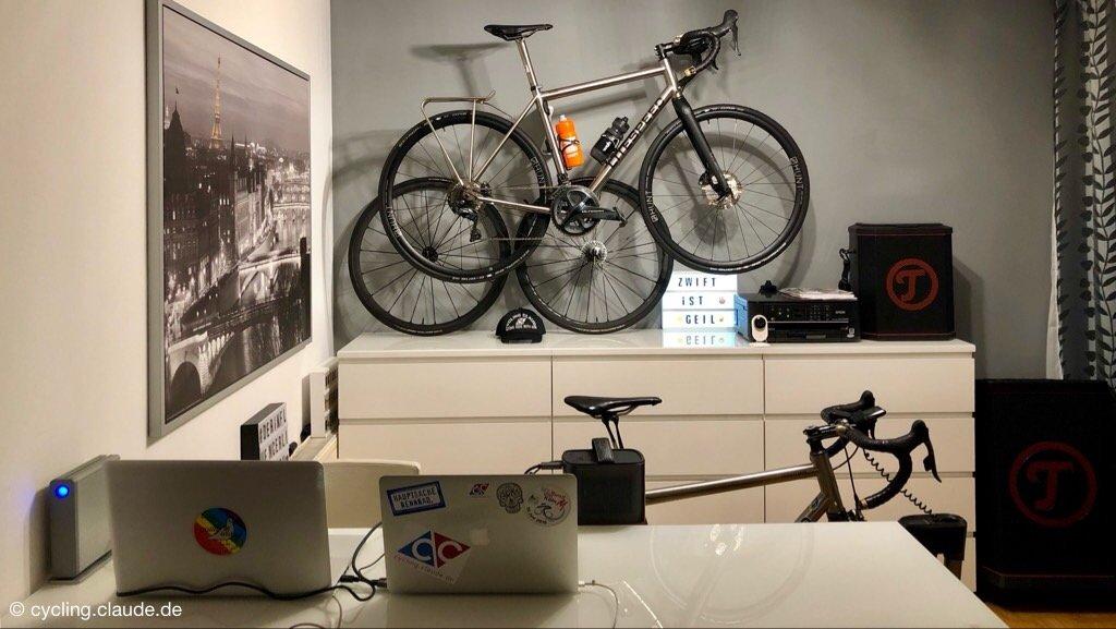 Blogger Base CyclingClaude
