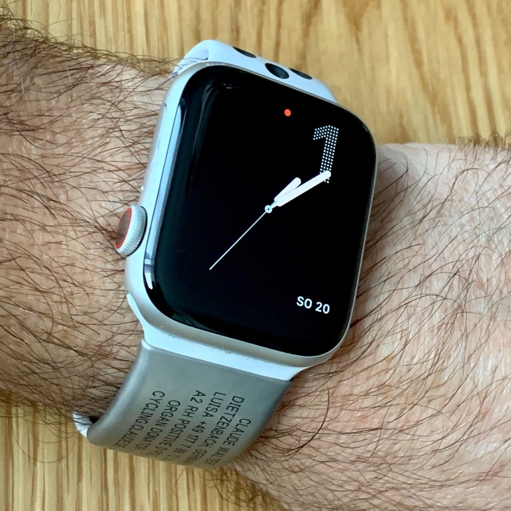 Road-ID Apple Watch