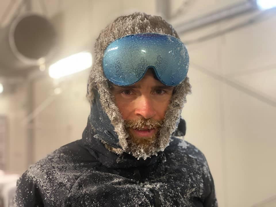Jonas Deichmann im Eis