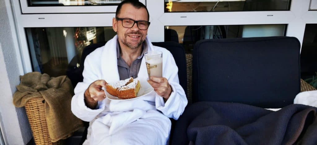 Kaffee und Kuchen in der Lounge