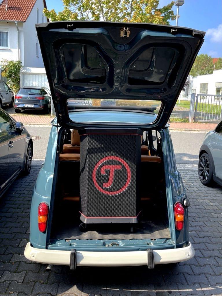Renault R4 mit Teufel Rockster
